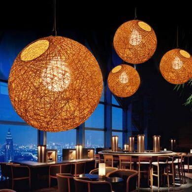 Lámparas de techo de mimbre madera rattan forja bambú restaurantes bares terrazas recibidores hoteles