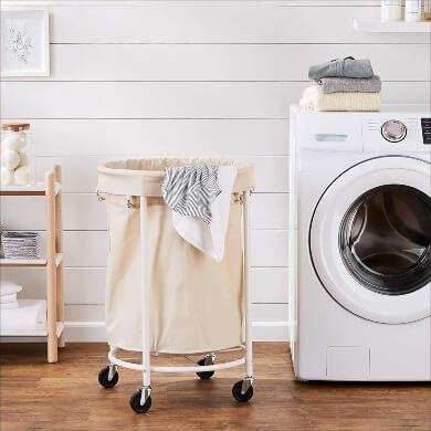 cesto ruedas ropa toallas sábanas mantas cortinas lavadora lavandería limpio