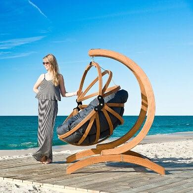 silla colagante madera elegante lujo diseño cojín oferta